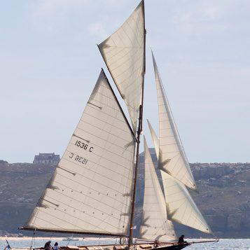 Pen Duick, premier bateau d'Éric Tabarly.